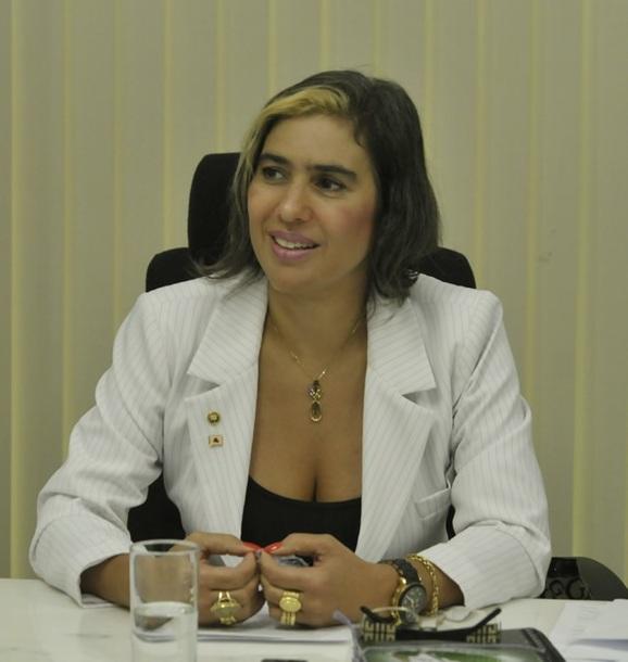 Andréa Abritta Garzon Tonet